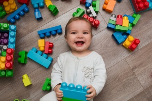 Toddler with leggos
