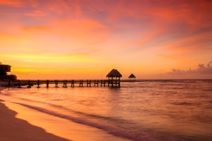 Travel Deal Round-up! Book Flights to Cancun and More!