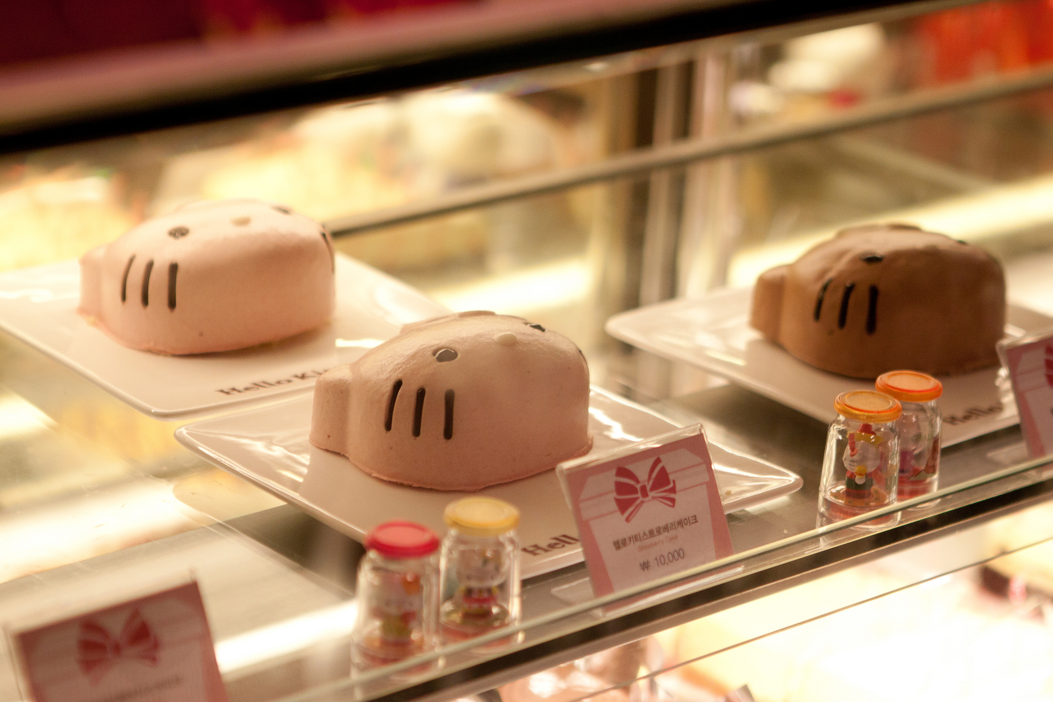 Hello Kitty Cafe, Hongdae, Seoul, South Korea by Jirka Matousek is Licensed Under CC by 2.0