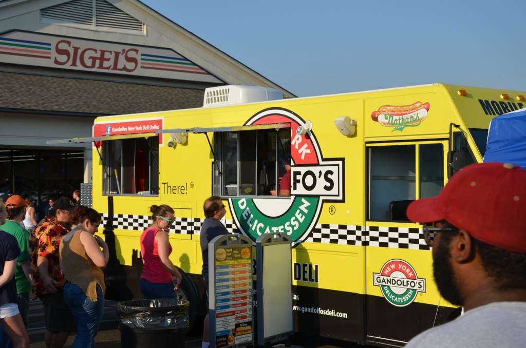 """Gandolfo's at Dallas Gourmet Food Truck Festival held at Sigels Liquor Store- August 2011"" by BetterBizIdeas is licensed under CC 2.0."