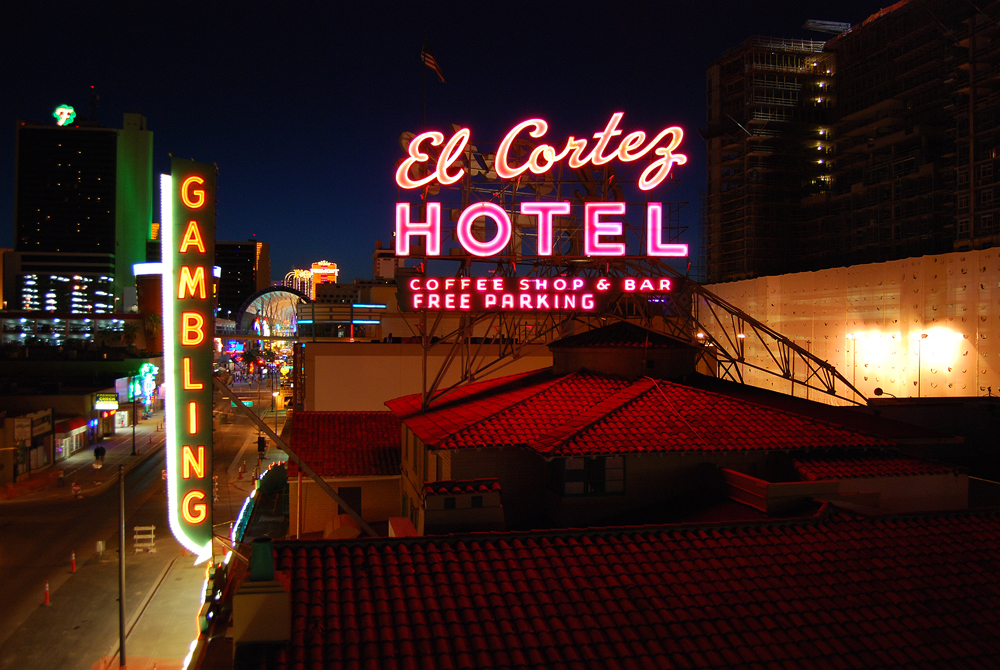 """El Cortez Casino"" by Roadsidepictures is licensed under CC 2.0."