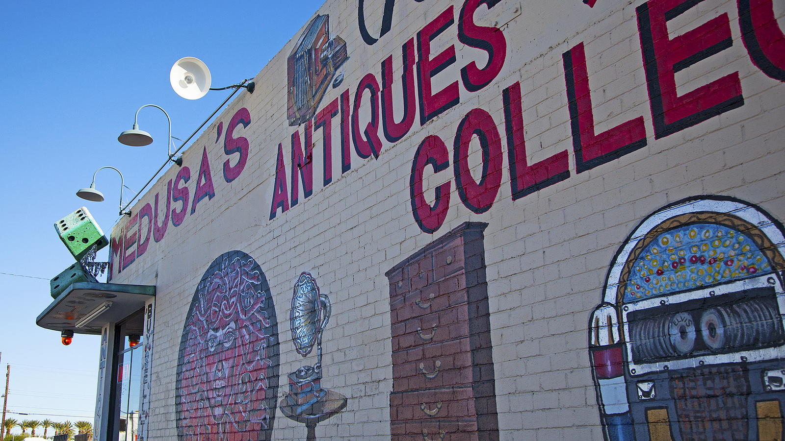 """Medusa's Antiques"" by Travel Nevada is licensed under CC 2.0."