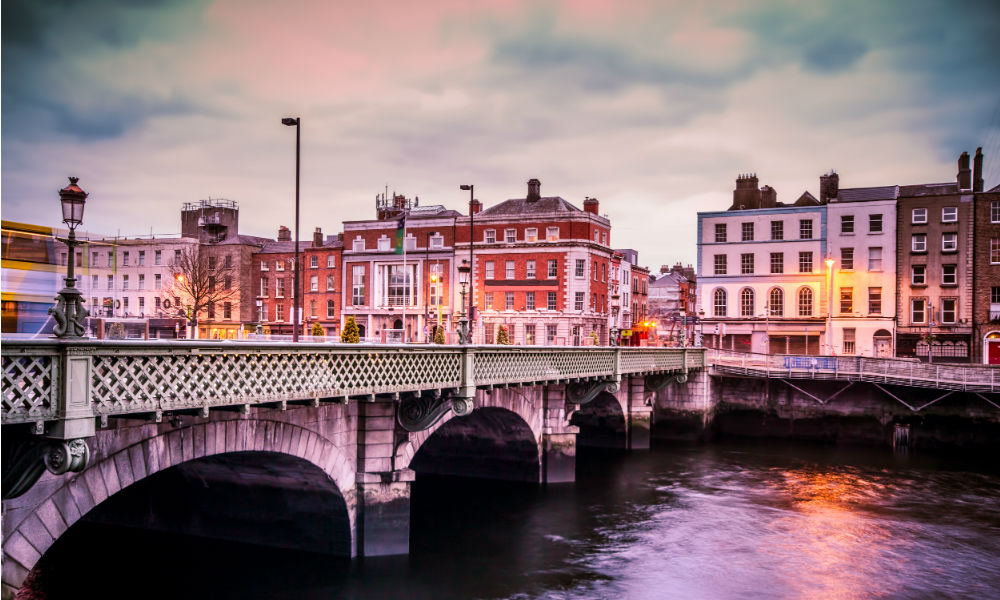 bridge-in-dublin-ireland