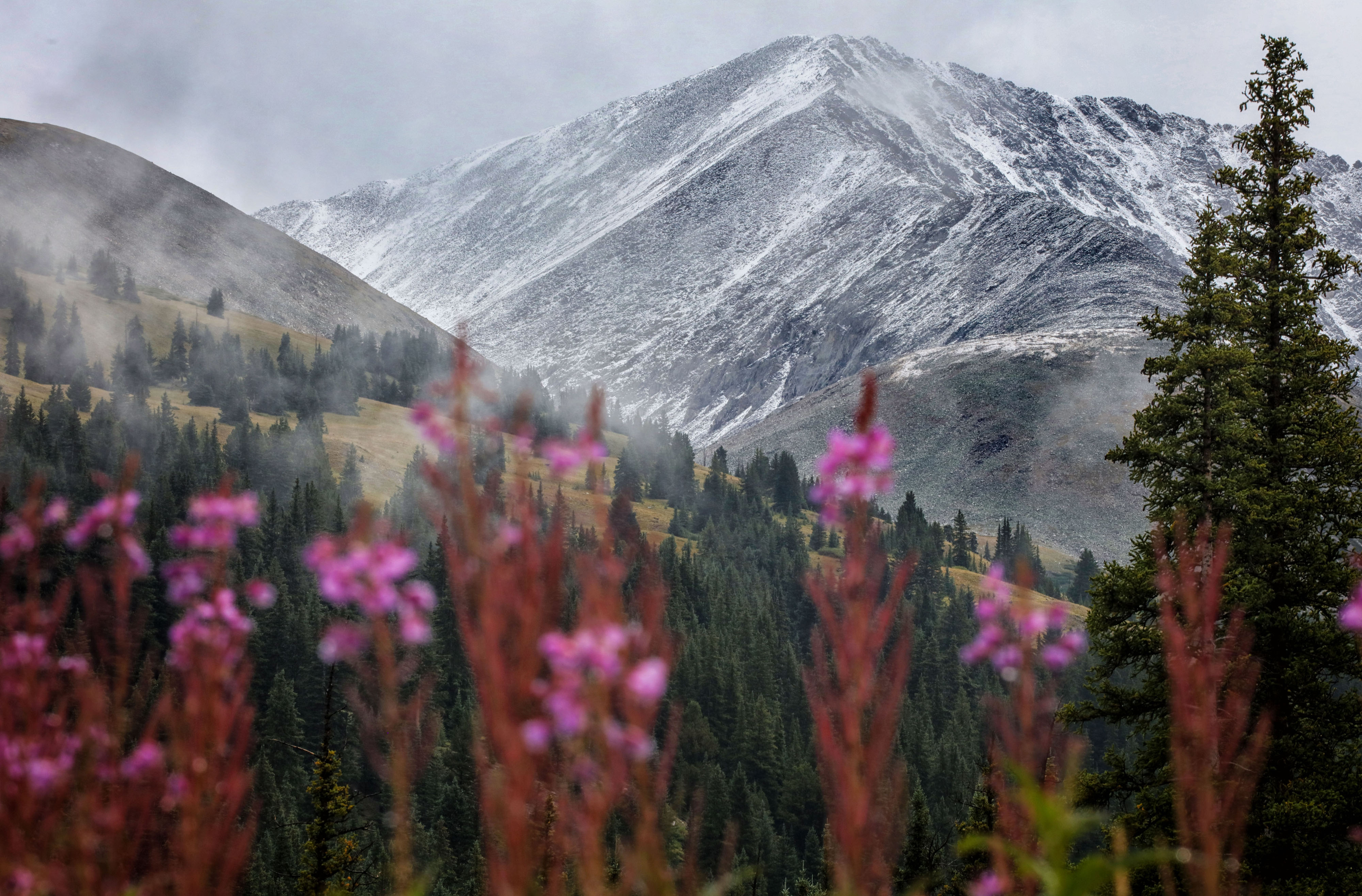 first_snow-copper-mountain_8-24_2_sm