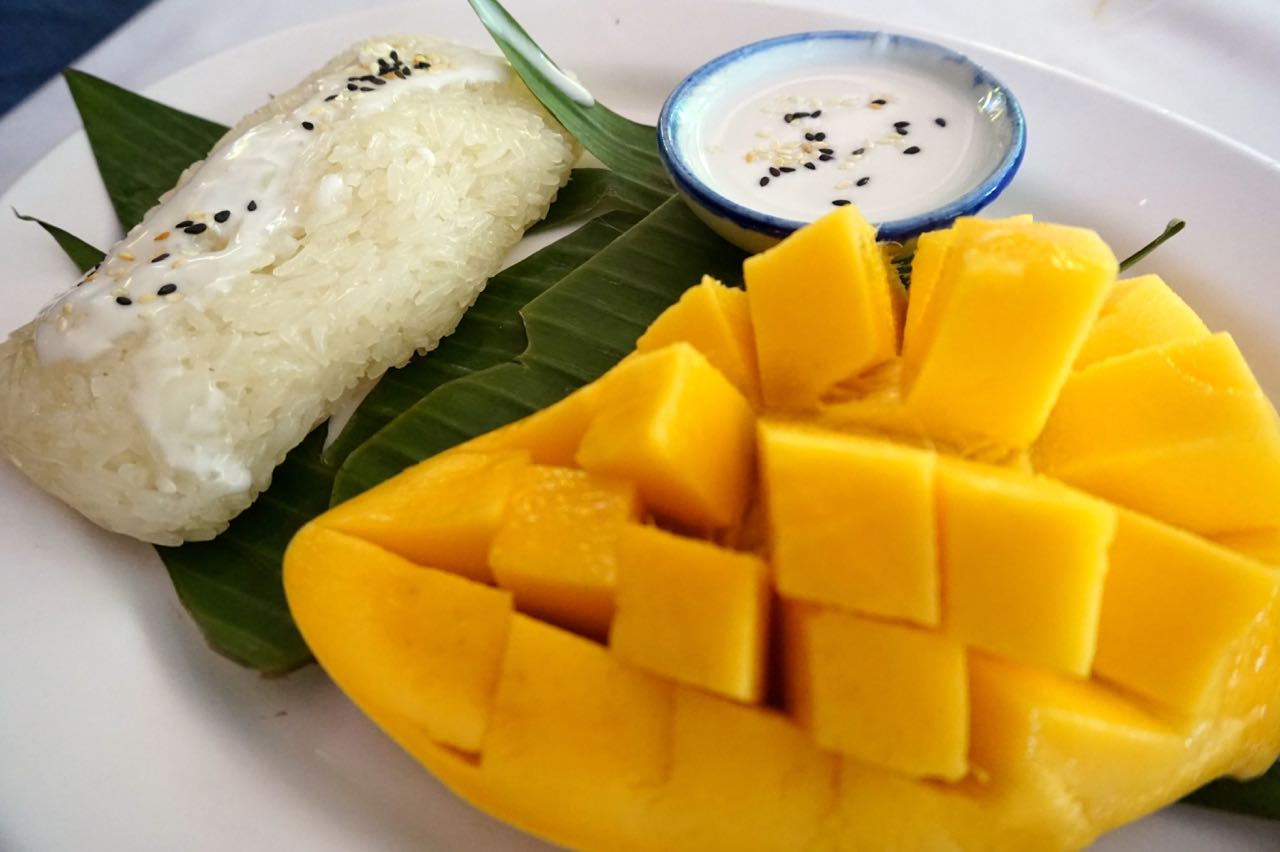 mango-sticky-rice Bangkok street food