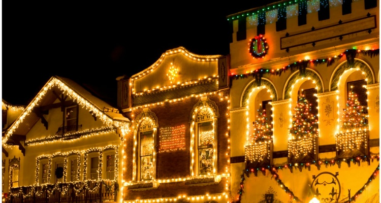 christmas town usa the small towns you need to visit for the holidays - Small Town Christmas
