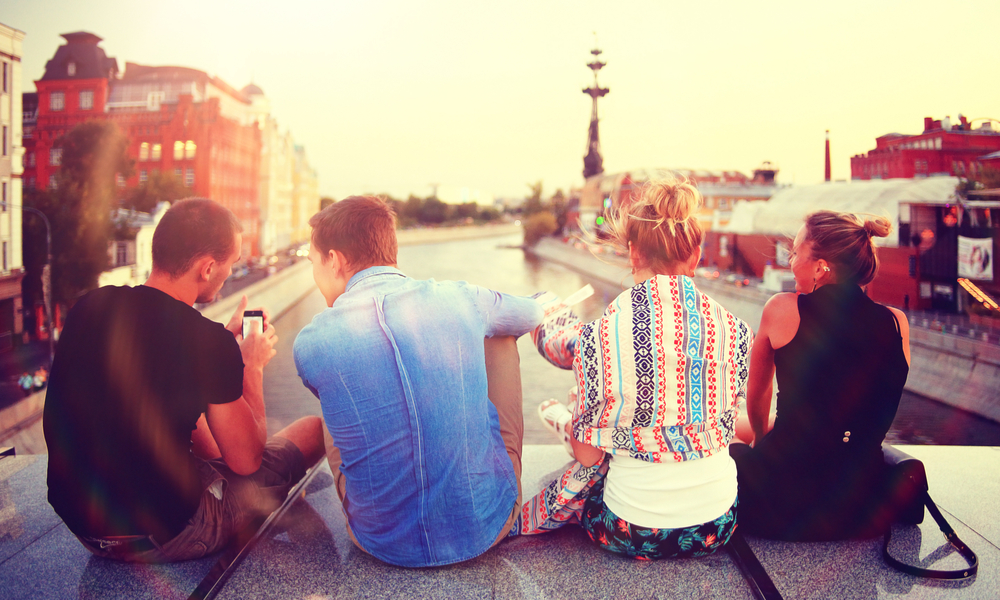 How to Meet People When Traveling Solo