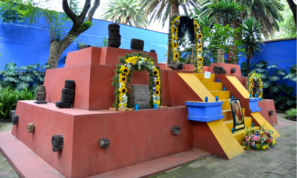 Frida museum and shrine in mexico city