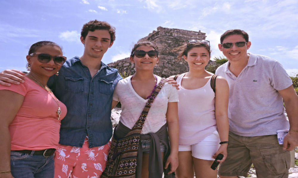 Chema with family on vacation