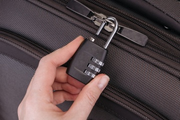 locking luggage
