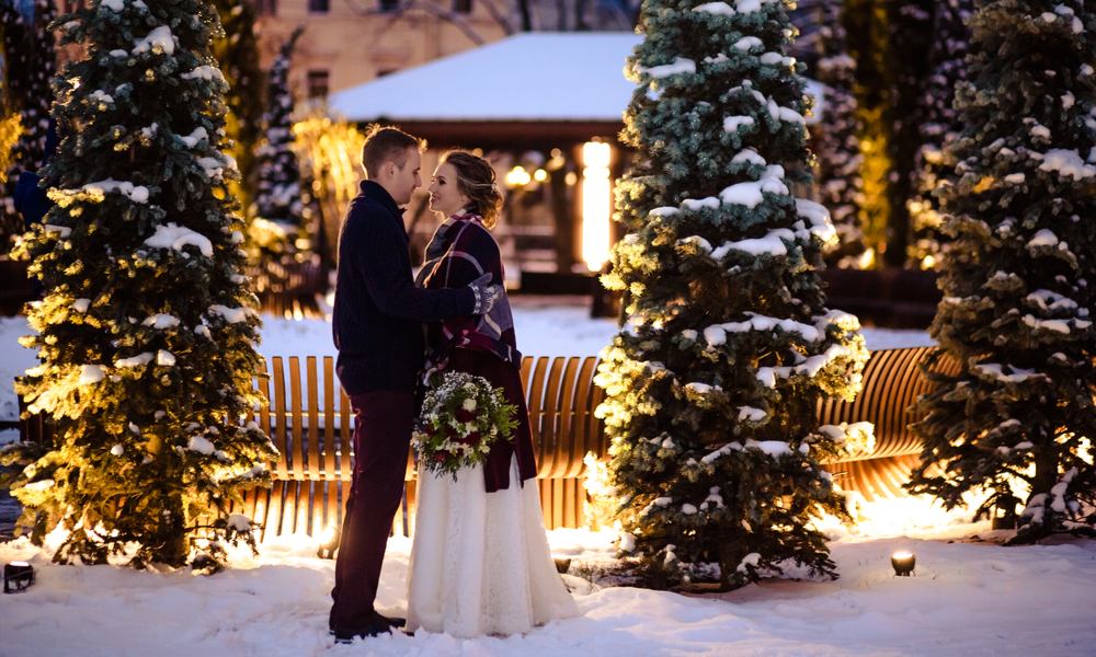 "7 Winter Wedding Ideas That Will Help You Find the Perfect Spot to Say ""I Do"": Beautiful wedding couples winter/Christmas wedding"
