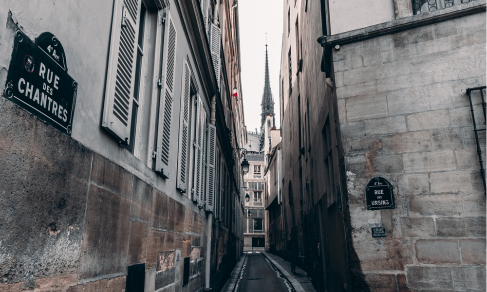 What to See in Paris If You Love the Macabre & Mysterious: the view of the narrow rue de chantres