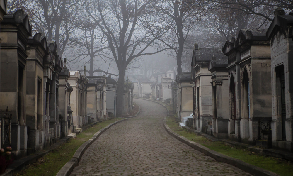 hat to See in Paris If You Love the Macabre & Mysterious: Paris Pere Lachaise cemetry - morning fog