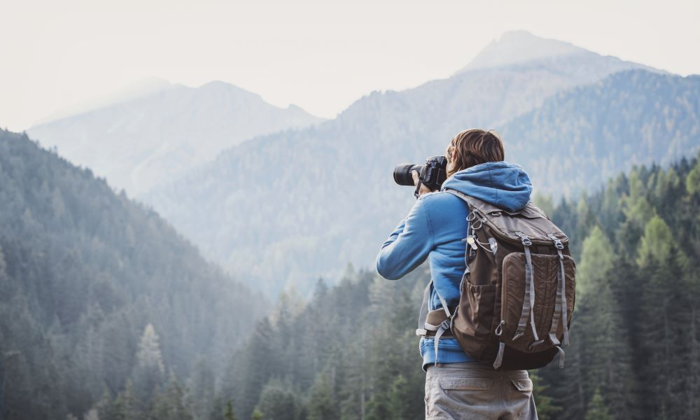 how to make money traveling through travel photography