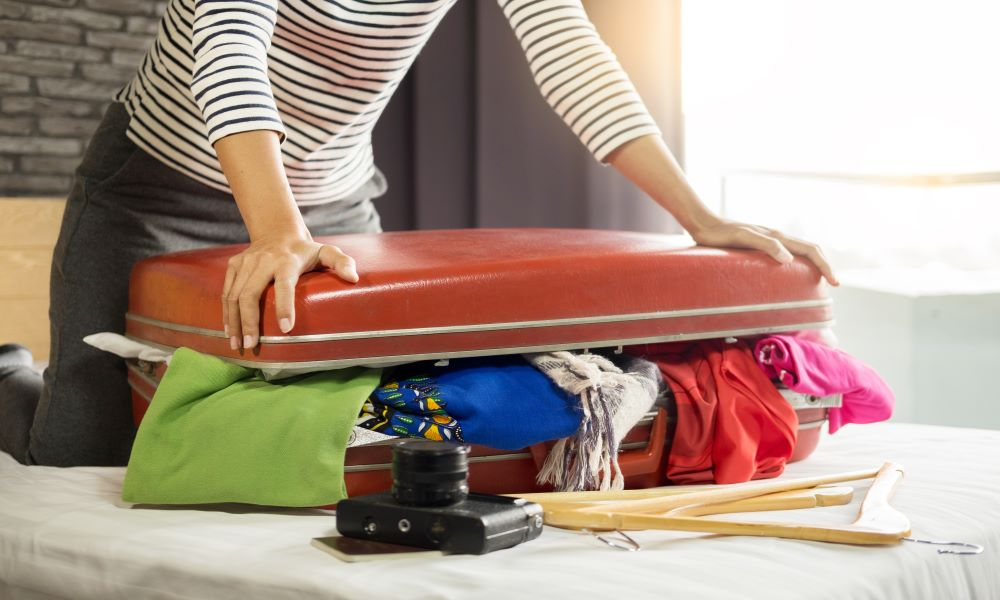 what not to do on a long flight is overpacking