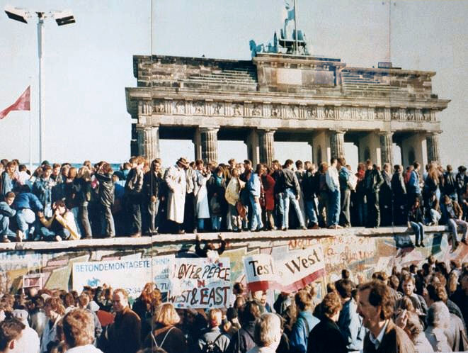 Germans celebrate the destruction of the Berlin Wall