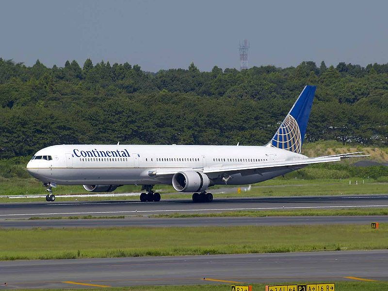 Continental Airlines looking to merge with United