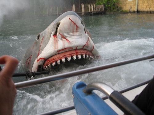 Jaws Ride to Shut Down, Flickr: mike