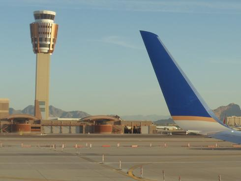 Air-traffic Controllers Union Wants Medical Testing and Monitored Naps, IMG Cred: USA Today