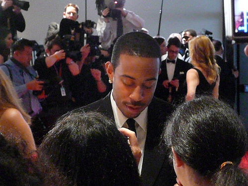 Ludacris signs autographs (CC Flickr photo credit: angela n.)