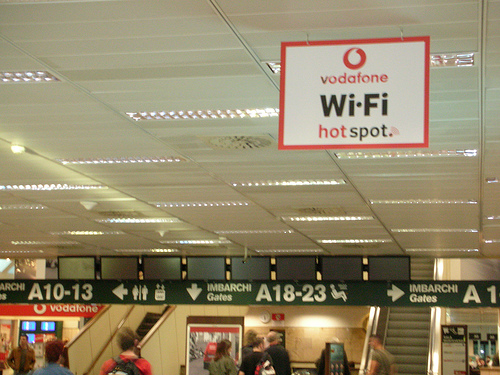 Airport Travel Tips:  Various Ways to Get on the Internet For Less, Flickr: cimatti