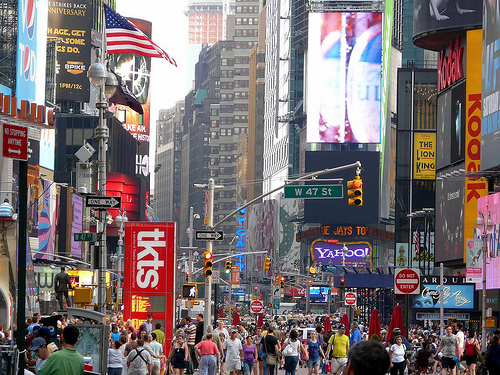 Top 5 Things to do in Times Square, Flickr: b00nj
