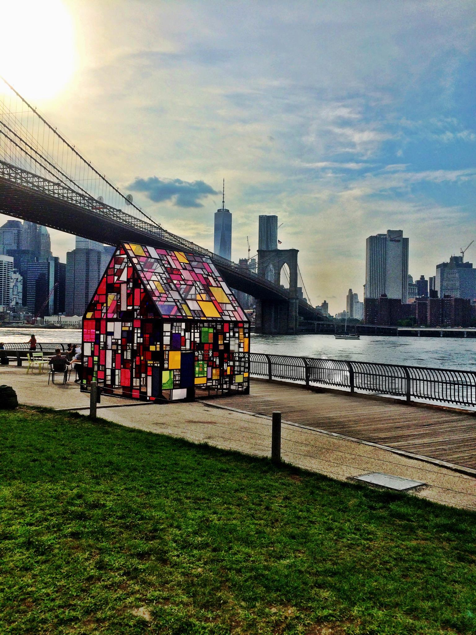 Kolonihavehus by Tom Fruin in Brooklyn Bridge Park