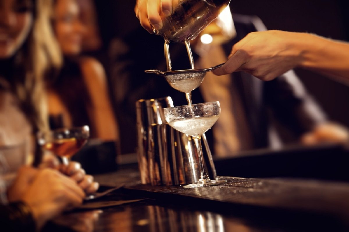 Best Bars for Cheap Drinks in Los Angeles